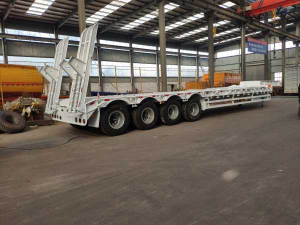 4 axle 70 tons lowbed trailer